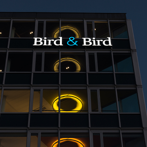 Lichtreclame Bird&Bird
