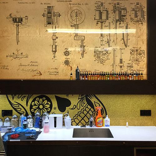 wallvisuals voor 3sins tattooshop in Amsterdam