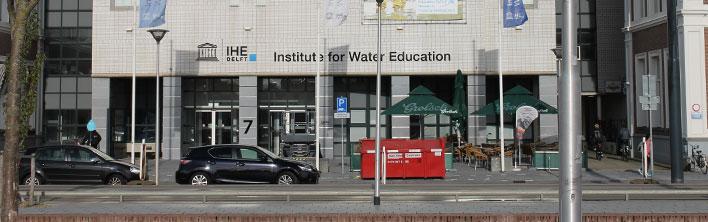 Institute for Water Education Blomsma Print en Sign Gevelletters