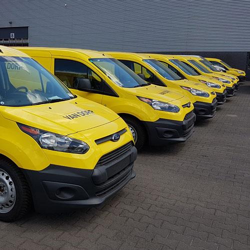 25 Ford Transit Customs Van Dorp installaties voorzien van huisstijl bestickering Blomsma Print & Sign fleetmarking