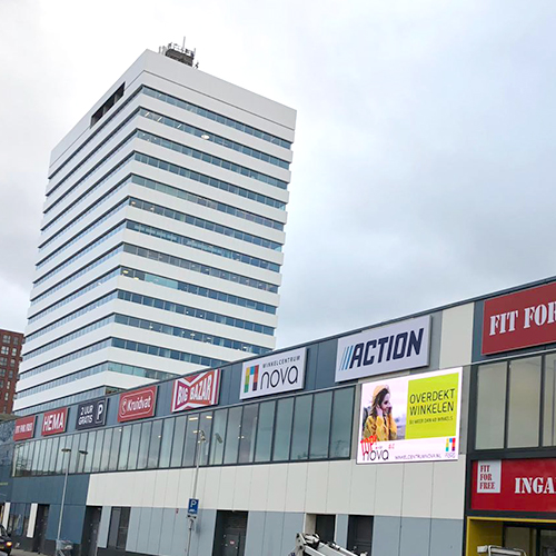 Restyling Blomsma Print & Sign Winkelcentrum Nova Utrecht lichtbakken lichtreclame