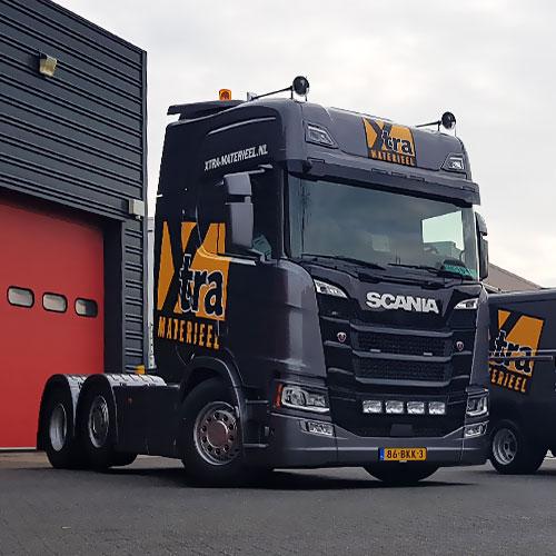 Xtra Materieel vrachtwagenbestickering door Blomsma Print & Sign