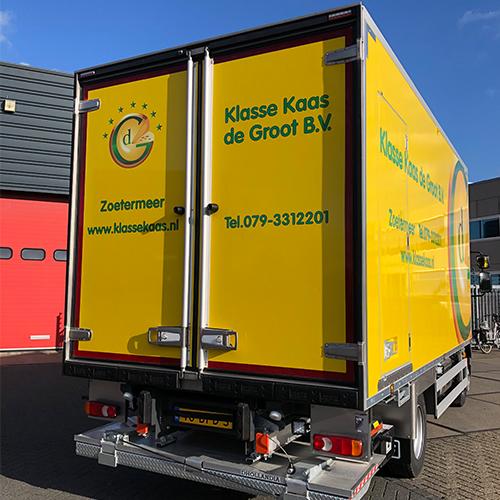 Belettering bakwagen Klasse Kaas de Groot door Blomsma Print&Sign