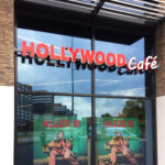 Hollywood Cafe Lichtreclame | Blomsma Print & Sign