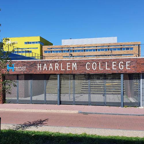 Gevelreclame voor Haarlem College 3 | Blomsma Print & Sign