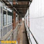 Gevelrenovatie met folie in Rijswijk - tijdens   Blomsma Print & Sign